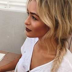 Dark lips... Follow us on Instagram @dissh_boutiques for daily inspo