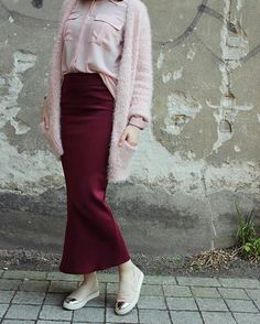 Pencil skirt with hijab-Flowy and cute hijab outfits – Just Trendy Girls Islamic Fashion, Muslim Fashion, Modest Fashion, Fashion Outfits, Hijab Casual, Hijab Outfit, Beautiful Hijab, Beautiful Outfits, Modest Outfits