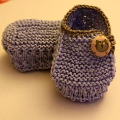 Knitting Baby Booties Funny Cats, 0-12mths, 2.5mm, $3.99