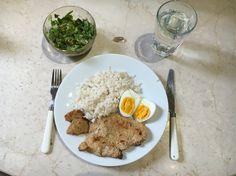 -150 gr pollo -140 gr arroz -1 huevo -hojas verdes -omega 3