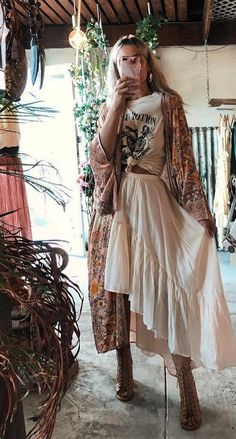 Look Hippie Chic, Hippie Chic Outfits, Looks Hippie, Estilo Hippie Chic, Hippie Boho, Boho Looks, Bohemian Outfit, Hippie Vibes, Boho Girl