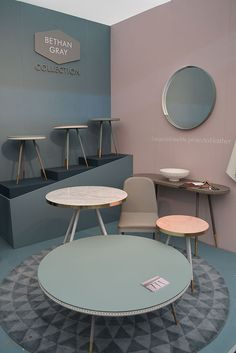 41 Coffee And Relaxation Minimal Space Ideas Showroom Design, Office Interior Design, Booth Design, Wall Design, Home Decor Furniture, Furniture Design, Pastel Home Decor, Room Colors, Colorful Interiors