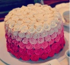 Rose cake - like the smaller roses with colour fade
