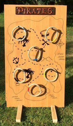 Tuto très complet (en français) pour construire ce jeu en bois. Décor de fond : une carte à trésor