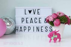 Love Peace Happiness Lightbox mit Rapunzeln und Glücksschwein (Diy House Box) Cinema Light Box Quotes, Cinema Box, Light Up Message Board, Light Board, Led Light Box, Boxing Quotes, Light Letters, Rubber Flooring, Practical Gifts