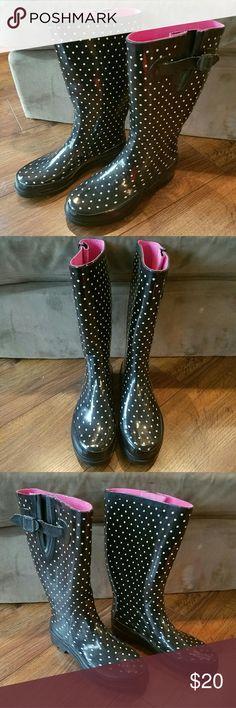 Polka dot rain boots Polka dot rubber rain boots. In good condition! Shoes Winter & Rain Boots
