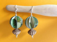 Earrings paper jewel by Quilly Paper Design Paper Quilling Jewelry, Paper Bead Jewelry, Paper Earrings, Quilling Art, Paper Beads, Jewelry Crafts, Beaded Jewelry, Handmade Jewelry, Fabric Paper