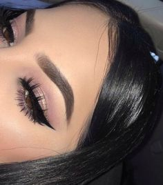 In order to transform your eyes and increase your appearance, using the very best eye makeup ideas will help. You'll want to be sure you put on make-up that makes you start looking even more beautiful than you already are. Eye Makeup Glitter, Eye Makeup Tips, Makeup Goals, Skin Makeup, Makeup Inspo, Makeup Inspiration, Makeup Ideas, Makeup Brushes, Makeup Tutorials