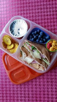 Pita sandwiches packed for lunch in our @EasyLunchboxes