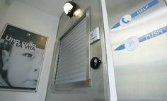 Milano: neonato abbandonato nella culla per la vita - Spettegolando