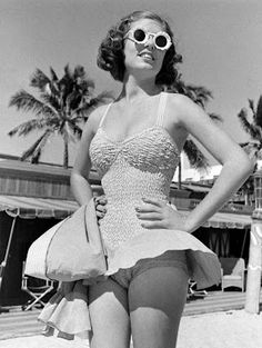 1940to1949:  Too cute with her sunnies too.