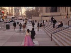 I can't stop watching this scene. Every man should make his girl feel like a princess - literally! Best Gossip Girl scene ever...