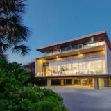 West Wind is the magnificent modern house designed by New York architect Toshiko Mori. Located on Casey Key, an eight-mile island just south of Sarasota, the house has six bedrooms, 7.2 bathrooms and 7,121 square feet of living space.