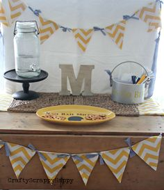 Tailgating ideas with @CraftyScrappyHa  Day 1-DIY team spirt bunting  Day 2-Personalized utensil holder  Day 3-Personalized party platter