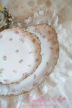 Porcelain Manufacturers In China Antique Dishes, Vintage Dishes, Antique China, Vintage China, Vintage Tea, Tea Party Table, Wedding China, Antique Chandelier, Vintage Plates