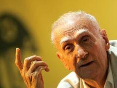 Ariano Suassuna é internado em Recife após sofrer infarto | S1 Noticias
