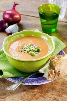 Tuoretomaattikeitto | K-ruoka Soup Recipes, Vegetarian Recipes, Thai Red Curry, Cantaloupe, Risotto, Snacks, Diet, Fruit, Ethnic Recipes