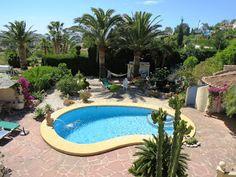 Costa Blanca Property Sales: Villa for sale in Moraira - Wonderful garden