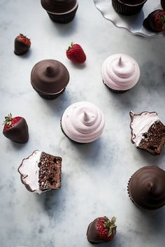 A twist on the chocolate covered strawberry. Chocolate cupcakes, with chocolate strawberry ganache, topped with strawberry frosting and chocolate dipped Chocolate Dipped Strawberries, Chocolate Cupcakes, Chocolate Recipes, Cupcake Recipes, My Recipes, Dessert Recipes, Yummy Treats, Sweet Treats, Yummy Food