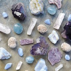 Wedding Décor Ideas Featuring Healing Crystals, Boho Stones, and Agates   Brides