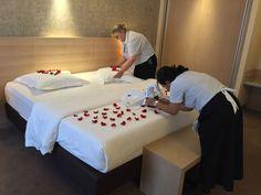 Pour votre prochain #séjour_en_amoureux, profitez de notre offre spéciale 'Bruges - la romantique' ...  Et faites de votre escapade à deux un pur moment de romantisme ayant pour décor un hôtel de charme.  https://www.hotelnavarra.com/…/Forfait-Bruges-la-romantique…