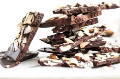 "Crazy Good Coconut Oil ""Chocolate"" Bark — Oh She Glows: cup raw hazelnuts cup raw almonds cup large flake dried coconut cu. Coconut Oil Chocolate, Chocolate Bark, Homemade Chocolate, Vegan Chocolate, Paleo Dessert, Vegan Desserts, Vegan Recipes, Dessert Recipes, Cacao Recipes"