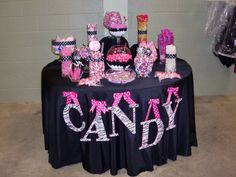 black and pink candy buffet - this would be so me lol