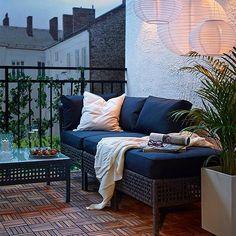 "1,539 likerklikk, 41 kommentarer – IKEA USA (@ikeausa) på Instagram: ""A little #outdoor space + the KUNGSHOLMEN sofa combination = just right. #home #design #IKEA…"""