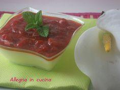 Panna cotta con salsa alle fragole / Dolce al cucchiaio