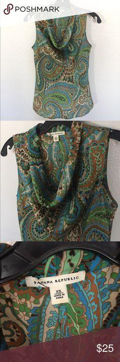 XS Banana Republic sleeveless blouse XS Banana Republic sleeveless blouse Banana Republic Tops Blouses