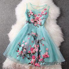 Light blue organza prom dress, short bridesmaid dress,vintage homecoming dress -> http://sweetheartdress.storenvy.com/products/9182062-light-blue-organza-prom-dress-bridesmaid-dress