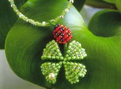 Beaded ladybug and clover pendant PATTERN