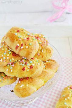 CUDDURA, CUDDURACI, CUDDUREDDI ...Biscotti di Pasqua. La mia nonna mi raccontava che questi biscotti venivano preparati dalla futura suocera per la fidanzata del figlio e per la sua famiglia.