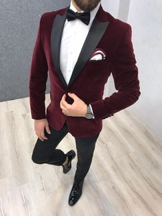 Aurora Wool-Blend Red - Tuxedo - Ideas of Tuxedo - Wedding Dress Men, Wedding Men, Wedding Suits, Groom Tuxedo Wedding, Prom Suits For Men, Dress Suits For Men, Grad Suits, Red Tuxedo, Tuxedo For Men
