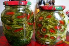 alături de cei dragi! Home Canning, Vegetable Recipes, Conservation, Pickles, Cucumber, Mason Jars, Cooking Recipes, Snacks, Vegetables