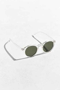 Find the perfect pair of men's sunglasses at Urban Outfitters. We carry a variety of sunglasses and readers from brands like Ray-Ban. Round Frame Sunglasses, Cat Eye Sunglasses, Urban Outfitters Sunglasses, Cleaning Wipes, Eyewear, Lenses, Plastic, Awesome Stuff, Specs