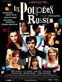 """Les poupées russes - Cédric Klapisch 2005 - DVD01456 -- """"La suite de L'Auberge espagnole. 5 ans plus tard, Xavier a aujourd'hui 30 ans & une obsession: trouver l'amour. De Londres à St-Pétersbourg, en compagnie de ses acolytes, cet amoureux romantique des temps modernes fait part de ses doutes, de ses espérances, avec humour & fantaisie."""""""