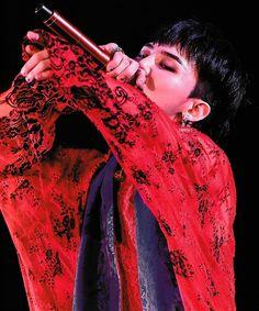 <ACT III, M.O.T.T.E> IN JAPAN PHOTOBOOK #빅뱅 #vip #hkvip #viphk #bigbanghk #BIGBANG #gd #gdragon Bigbang Members, Bigbang G Dragon, Ji Yong, Most Beautiful Man, My Princess, Kpop Boy, Pop Group, Photo Book, King