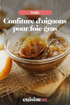 Cette confiture d'oignons spécialement prévue pour le foie gras est délicieuse (en accompagnement ou sur des toasts au foie gras par exemple). Si vous prévoyez du foie gras lors des repas de Noêl ou de fin d'année, cette confiture d'oignon est indispensable. #recette #cuisine #noel #fete #nouvelan #fetesdefindannee #confiture #oignon #confituredoignon #foiegras Toast Foie Gras, 20 Min, Cantaloupe, Fruit, Board, White Wine Vinegar, Meal, Planks