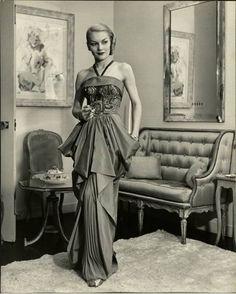 """NohaNoor: Fashion 1940's"""