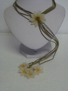 elegante collana in filo di seta lavorato ad ago, pezzo unico - beautiful silk necklace, needle work INFO maisoncaprice@gmail.com
