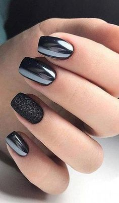Iridescent black nail designs & ideas Youll Love # fashionlife Black nail design Informations About Schillernde schwarze Nageldesigns & -ideen Youll Love # fashionlife … … Black Nail Designs, Short Nail Designs, Chrome Nails Designs, Shellac Nail Designs, Latest Nail Designs, Square Nail Designs, Pedicure Designs, Manicure Ideas, Love Nails