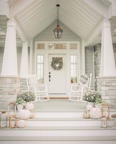 Alyssa Rome Design — Tips for Timeless Neutral Fall Decor - Home Decor Exteriors Decor, Neutral Fall Decor, Front Door Colors, House Exterior, House Rooms, Fall Front Porch Decor, Tree House Plans, Diy Front Porch, Fall Halloween Decor