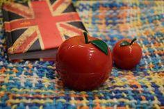 "Tony Moly Red Apple Hand Cream. Review and Swatches. / Крем Для Рук ""Красное Яблоко"" от Tony Moly. Отзыв."