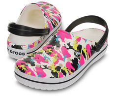 Go camo, and keep all of the cushion, comfort and sporty attitude of our popular Crocband™ clog. Crocs Classic, Slipper Sandals, Crocs Shoes, Tween, Girls Shoes, Clogs, Camo, Best Gifts, Cute Outfits