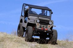 How Other Drivers Treat 7 Vehicle Types - Old off-roaders