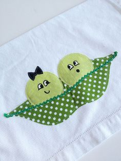 Hey, I found this really awesome Etsy listing at https://www.etsy.com/listing/161019364/two-peas-in-a-pod-towel-second