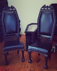 """15 Likes, 3 Comments - Lady_Lucifer (@little_lady_wolf) on Instagram: """"My dining chairs (I have 6 but only using 3 for now because mo room) #gothic #Gothicdecor #mahogany…"""""""