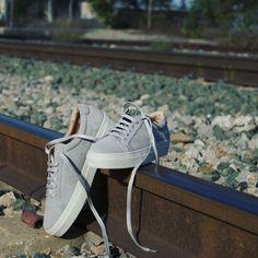 Grey' está siendo uno de vuestros favoritos 🔝 🔝 ¿Es el tuyo también? #walkaround #wa #handmade #blogger #bloggerfashion #blog #shoes #spain #shoes #zapatos #zapatillas #sneakers #sneaker #sneakerhead #SlipOn