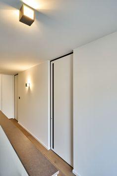 Design binnendeuren met zwarte kozijnen